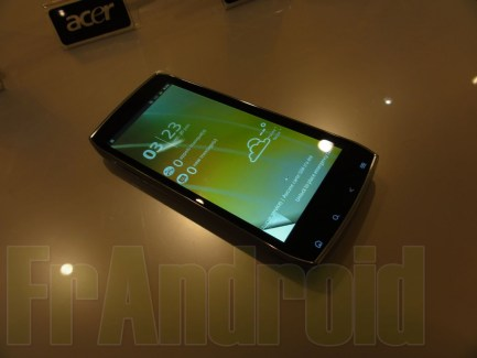 Premières impressions de l'Acer Iconia Smart sous Android
