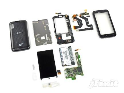 Le Motorola Atrix 4G dépecé chez iFixit