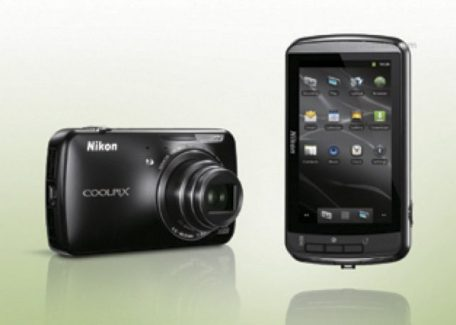 Nikon Coolpix S800, un appareil photo sous Android ?