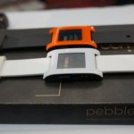 Prise en main de la montre Pebble Watch compatible Android et iOS
