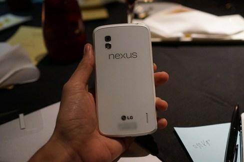Une première vidéo d'un Google LG Nexus 4 blanc