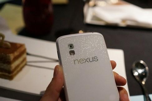 Le Nexus 4 blanc arriverait sur Android 4.3 le 10 juin