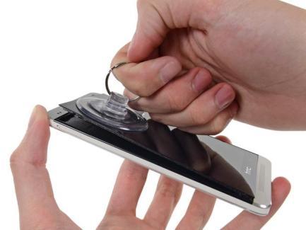 HTC serait le seul à pouvoir réparer le HTC One
