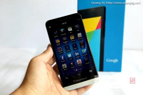 Le BlackBerry Z30 aperçu sur la toile dans une vidéo