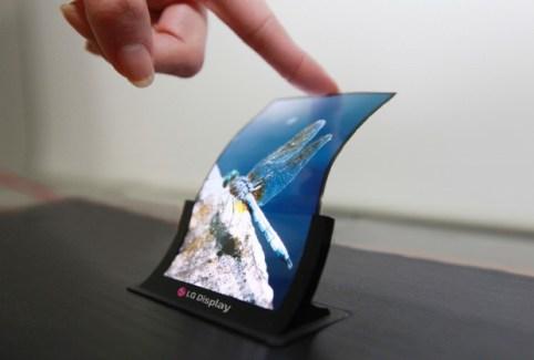 Samsung et LG prêts à proposer des écrans pliables en 2016 ?