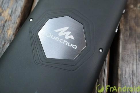 Le Quechua Phone signé Archos sortira le 5 décembre, avis aux randonneurs