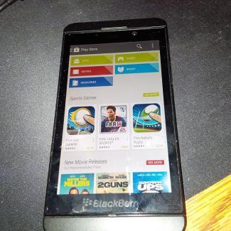 BlackBerry en passe d'intégrer le Play Store à ses smartphones sous BB 10.2.1 ?