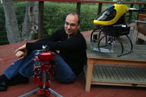 Google passera bientôt aux robots sous la houlette d'Andy Rubin