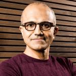 Satya Nadella est nommé CEO de Microsoft et Bill Gates quitte son poste au conseil d'administration