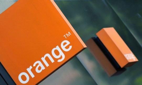 Enferré dans une polémique, Orange s'explique sur ses relations avec Israël