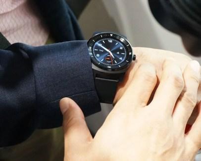 LG détaille la disponibilité de la G Watch R : c'est pour le mois prochain