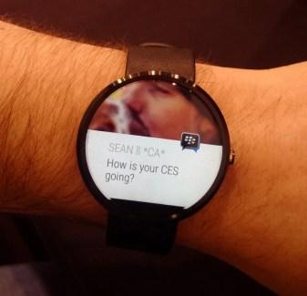 BBM compte s'installer sur les montres Android Wear