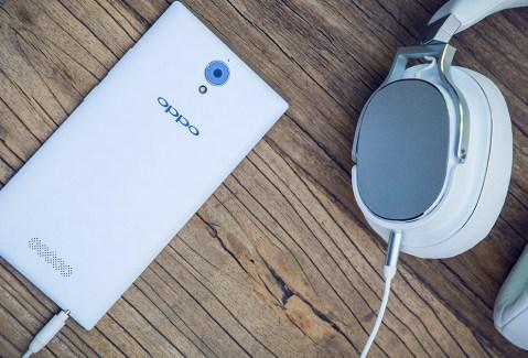 Oppo U3 : la phablette d'Oppo et son étrange accessoire sont officiels