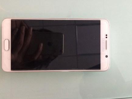 Samsung Galaxy Note 5 : de nouvelles photo précisent le fonctionnement du stylet