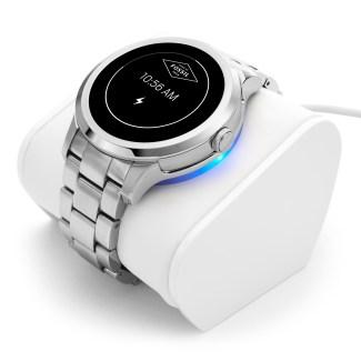 Fossil Q Founder : la montre sous Android Wear enfin disponible
