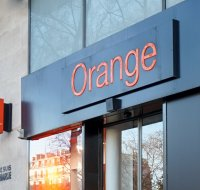 Orange : plus de clients, mais un chiffre d'affaires en baisse à cause de Free