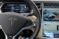 Un achat de Tesla par Apple ? Tim Cook botte en touche