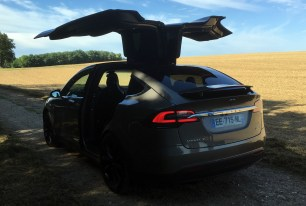 Des experts en sécurité informatique piratent une Model X, Tesla s'en réjouit