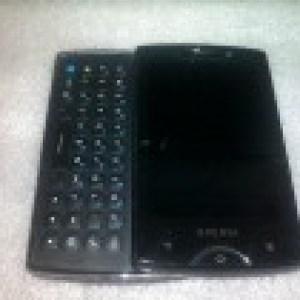 Des photos du successeur du Sony Ericsson Xperia X10 Mini Pro