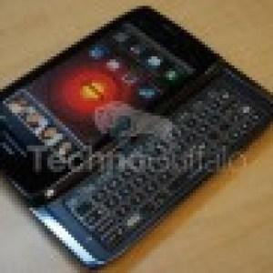Le Motorola Droid 4 en photos