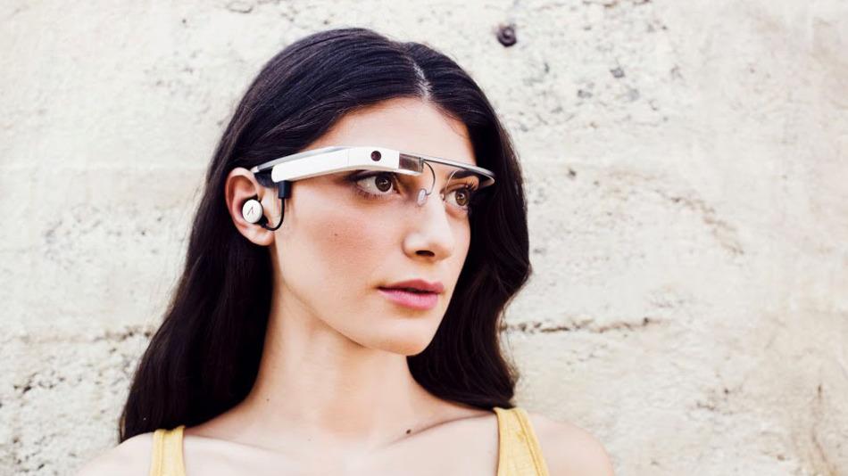 Les Google Glass version 2 avec écouteur se dévoilent en photos