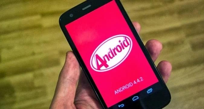 Moto G : Android 4.4.2 KitKat arrive en France, Espagne et au Royaume-Uni