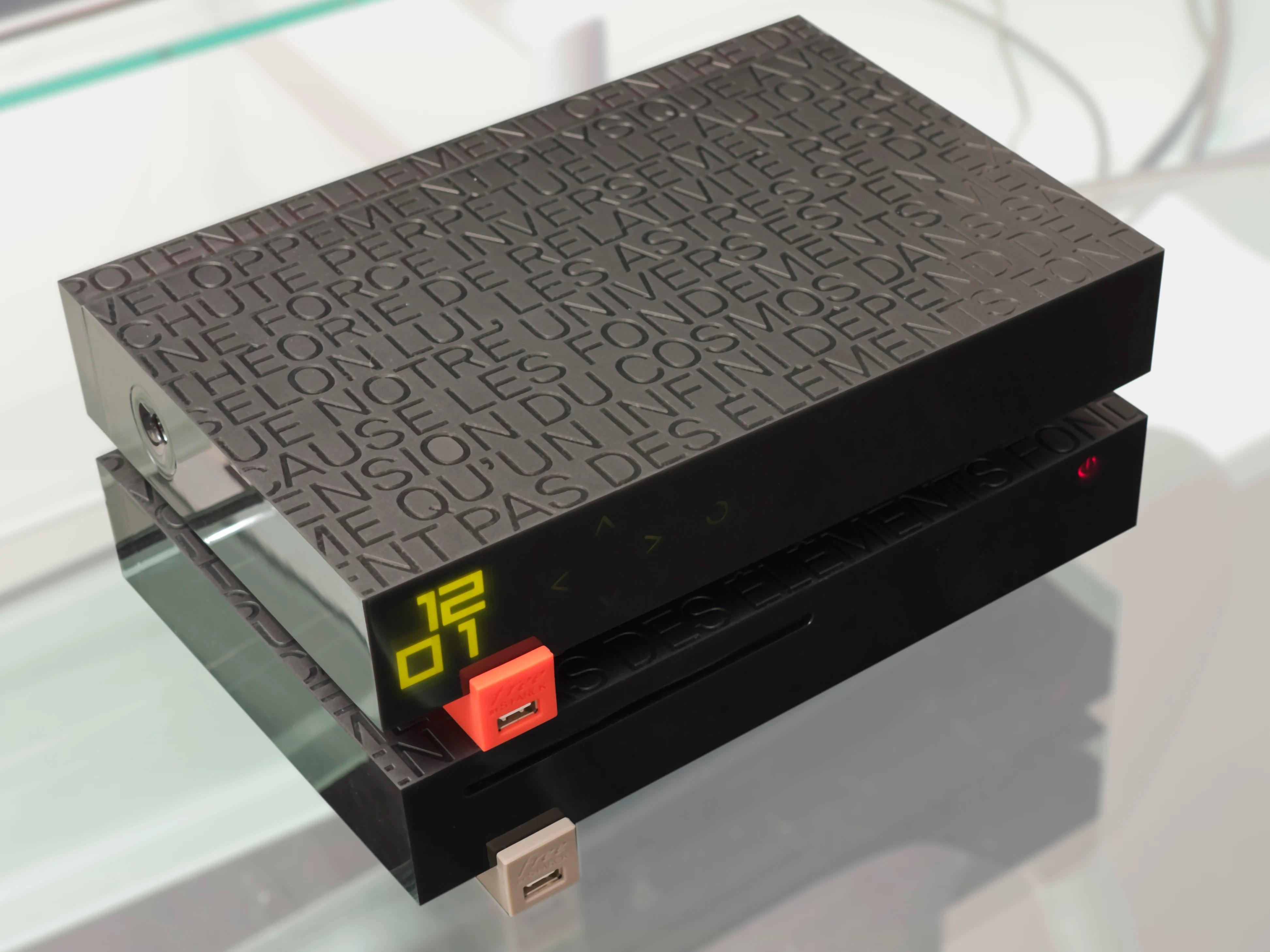 Freebox Revolution : 9,99 euros par mois pendant un an avec TV by Canal sur Vente Privée