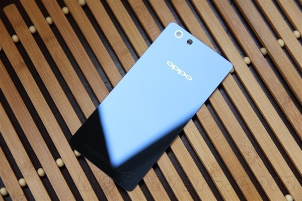 Oppo R1S : sortie le 25 avril en Chine avec des cadeaux bonus