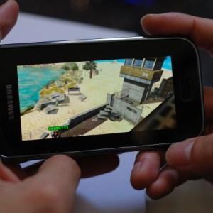 (exclu) Modern Combat : Sandstorm de Gameloft sur un Samsung Galaxy S