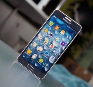 Samsung Galaxy Alpha : prise en main, caractéristiques et prix