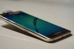 Prise en main du Galaxy S6 Edge, la leçon de design par Samsung ?