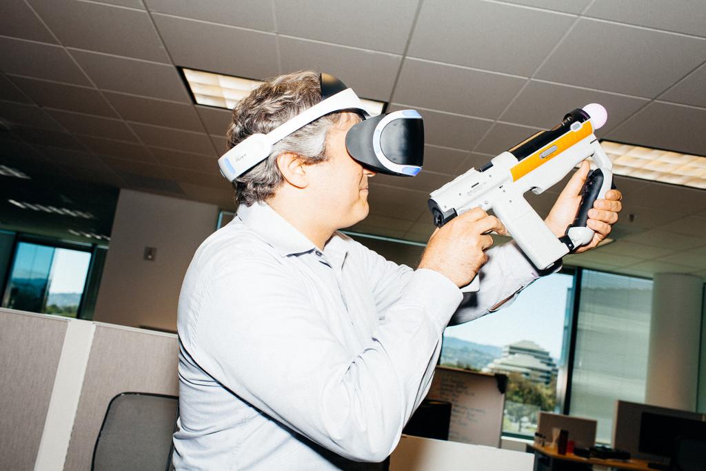 Sony Project Morpheus : le casque de réalité virtuelle attend ses jeux