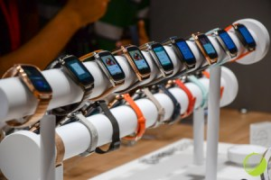 Prise en main de l'Asus ZenWatch 2 : deux versions et pléthore de bracelets