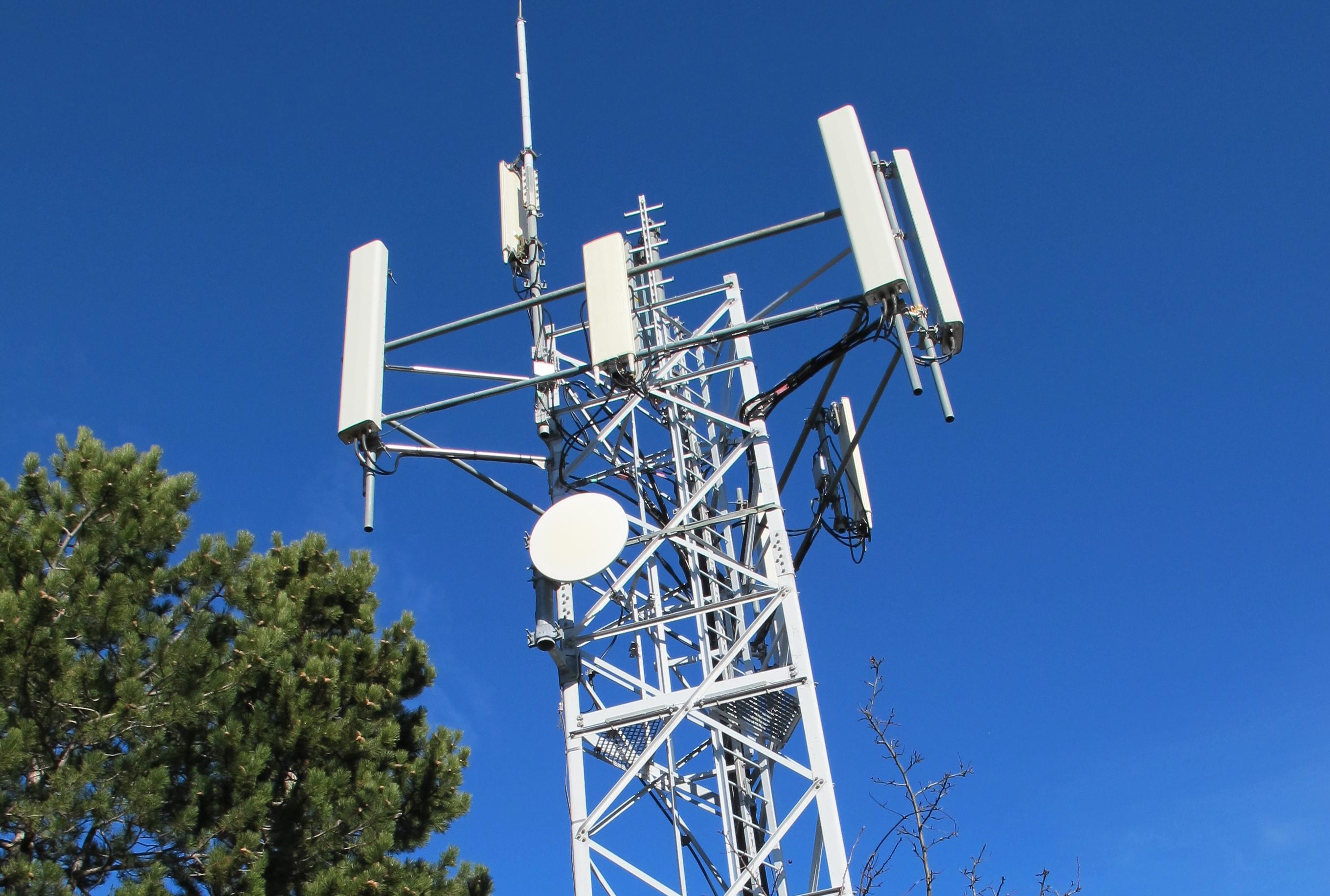 Déploiement de la 4G en France : les fréquences 700 MHz arrivent timidement et SFR met les bouchées doubles