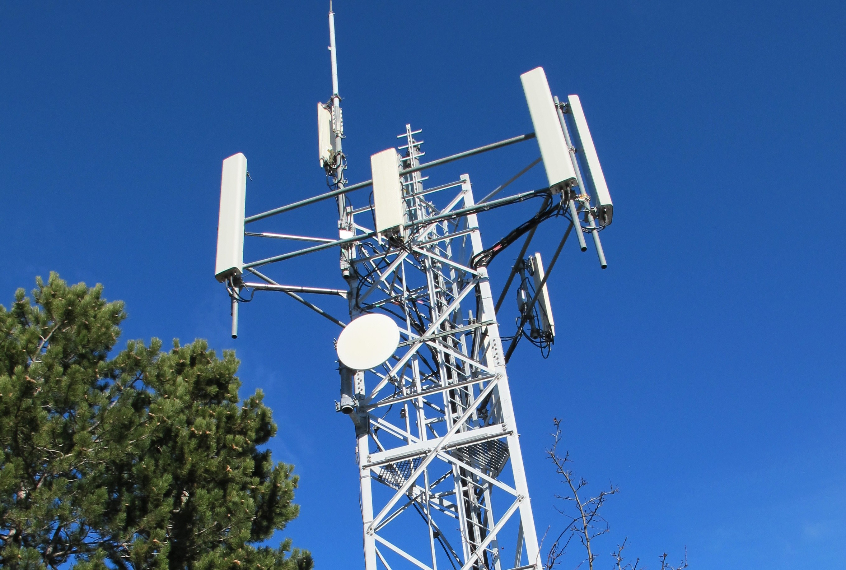 Free Mobile installe sa première antenne 5G