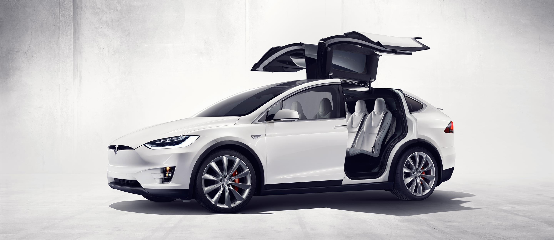 Tesla Model X : un SUV électrique, futuriste et presque autonome