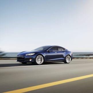 Autopilot : la conduite autonome arrive sur les Tesla Model S et X