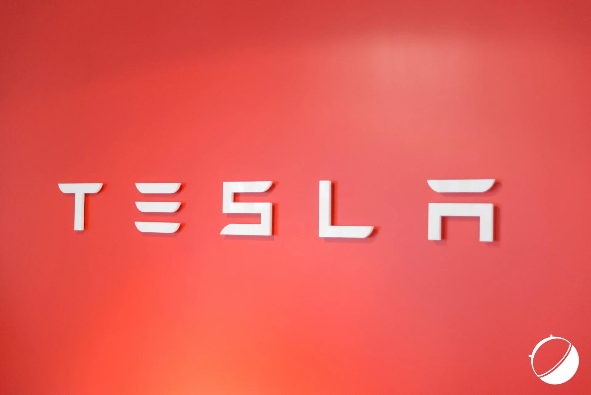 Tesla noue un partenariat avec Panasonic pour la production de panneaux solaires