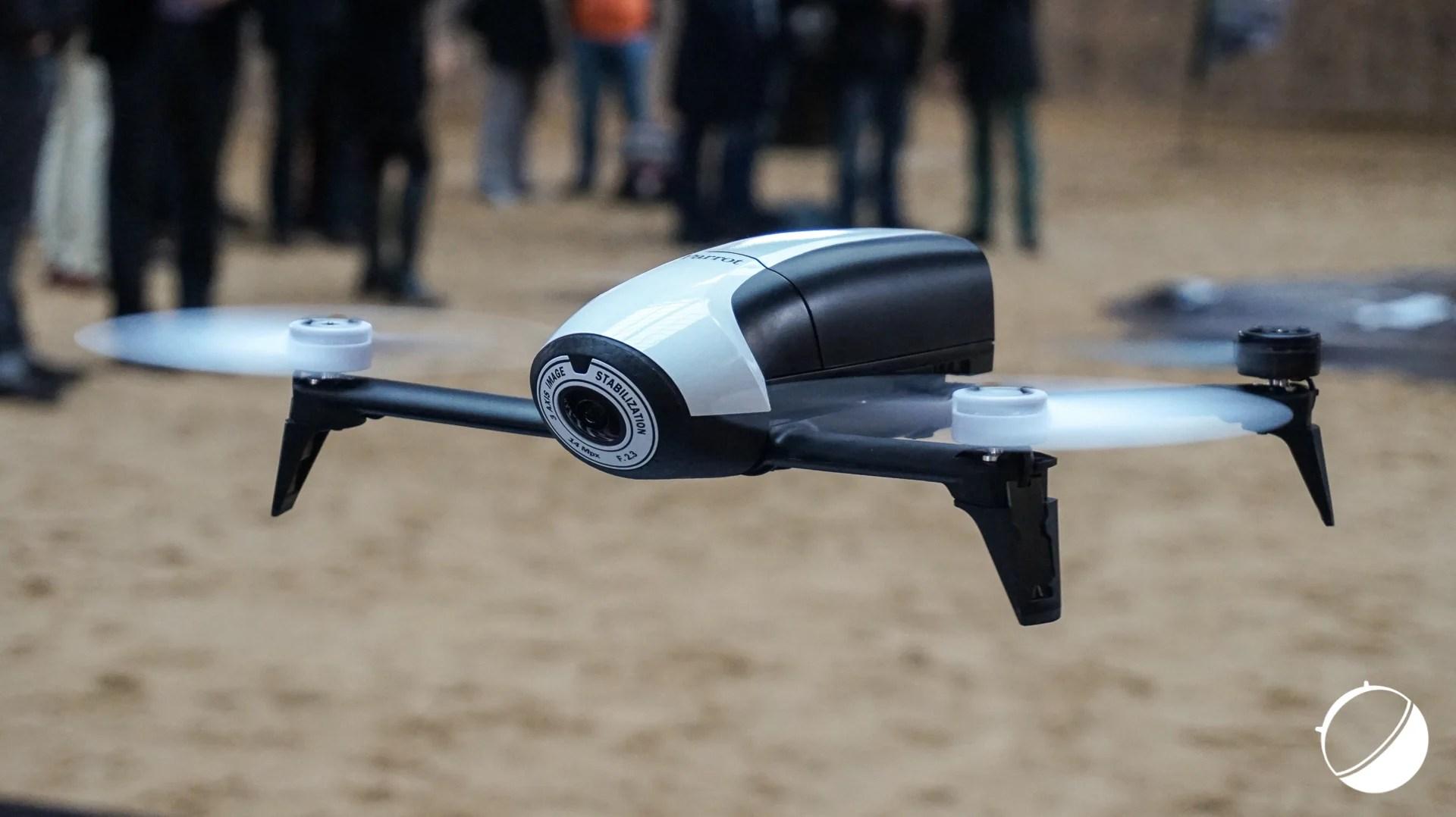 Prise en main du drone Parrot Bebop 2, avec un semblant de follow me