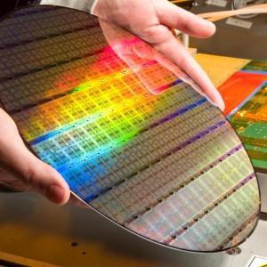 Intel va graver des processeurs mobiles ARM en 10 nm, et notamment pour LG