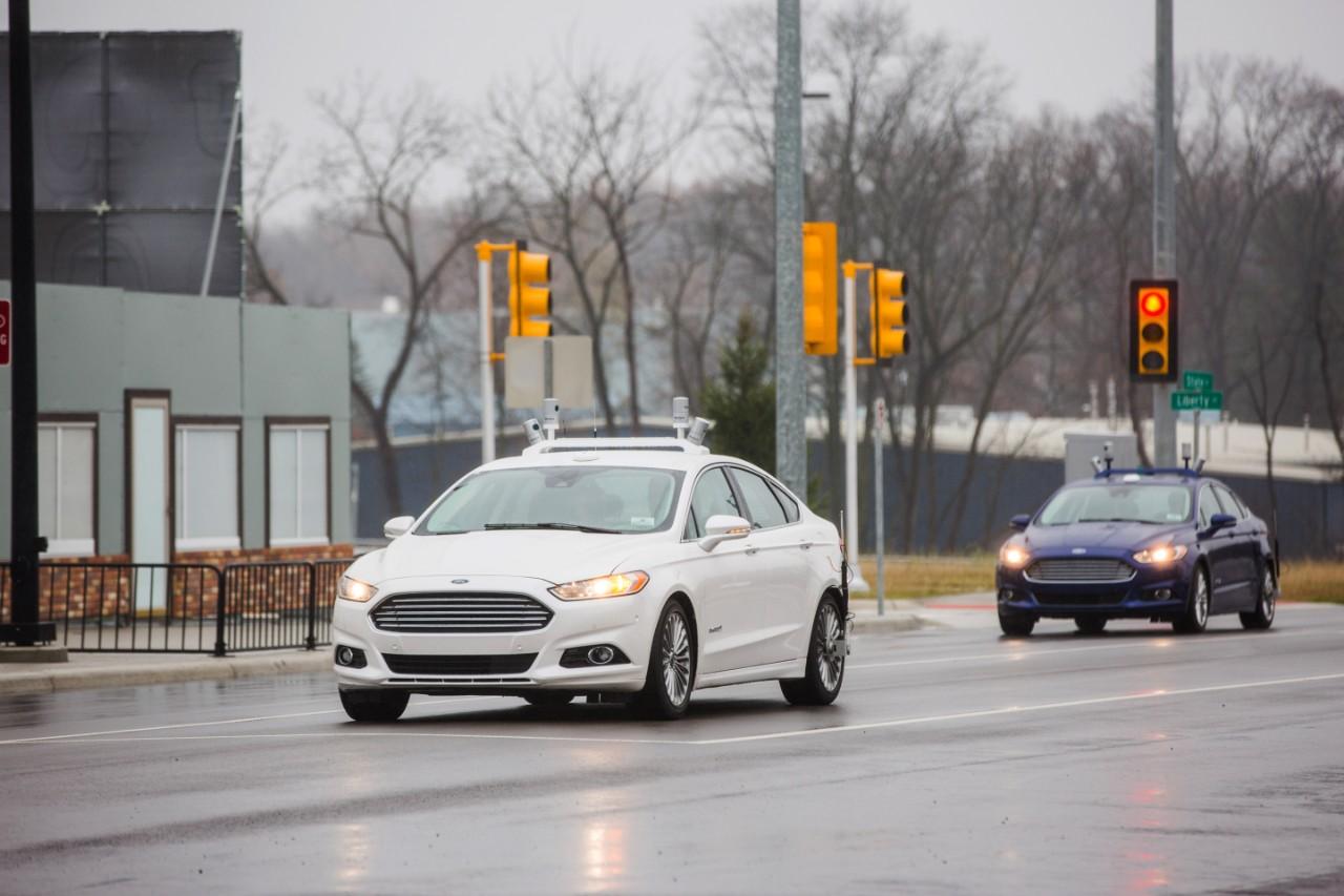 Voitures autonomes : Ford pourrait fabriquer les Google Car