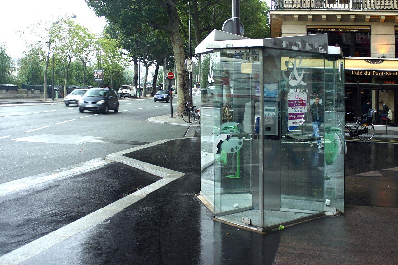 La transformation des cabines téléphoniques en points WiFi ignorée par le gouvernement