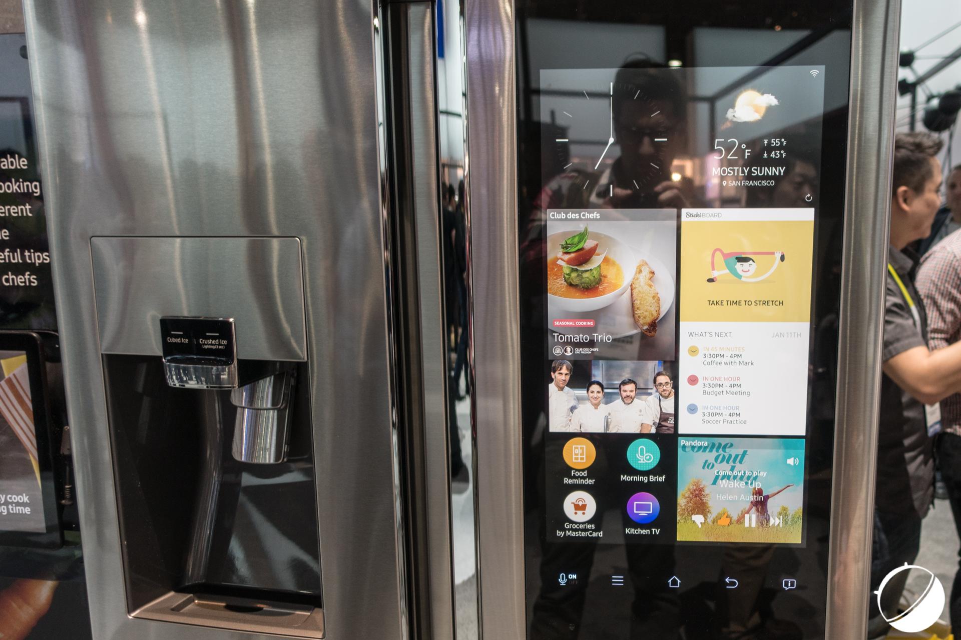 CES 2016 : Découverte vidéo du Family Hub, le frigo de Samsung sous Tizen