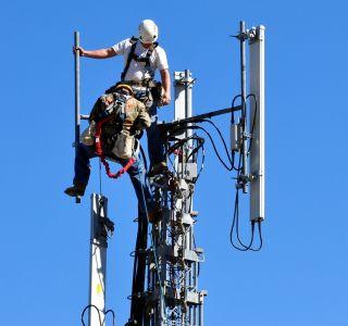 Déploiement 4G : SFR creuse l'écart avec Free Mobile, mais Orange reste loin devant