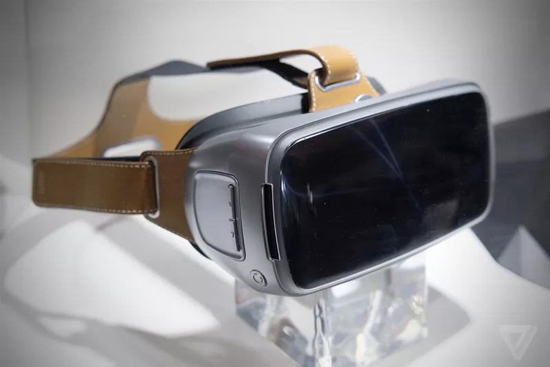 Avec son Asus VR, le Taïwanais cède aussi à la mode de la réalité virtuelle