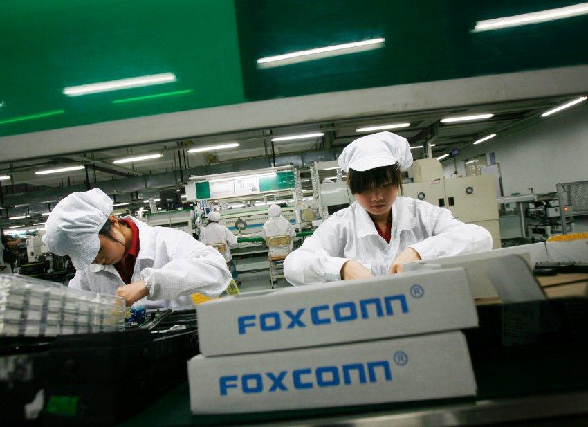 Foxconn remplace 60 000 humains par des robots