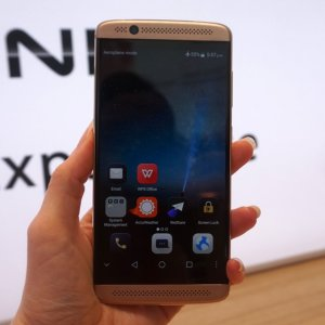 Prise en main du ZTE Axon 7 Mini, l'alternative abordable à l'Axon 7