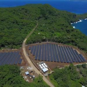 Tesla câble une île entière avec des panneaux solaires