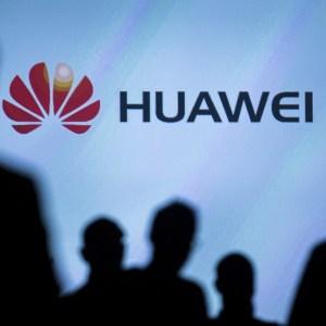 Huawei pourra installer ses antennes 5G en Grande-Bretagne à certaines conditions