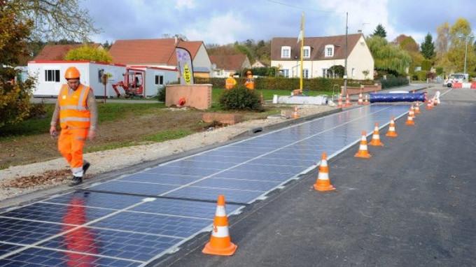 La première route en panneaux solaires au monde est Normande